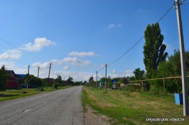 В хуторе Красная Поляна осветили главную улицу Совхозную