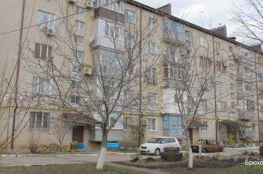 У жителей многоэтажки по улице Кирова, 173 — радостное событие: завершен ремонт кровли их 40-квартирного дома