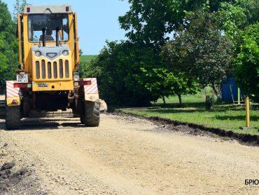 В Переясловском и Свободненском поселениях активно ремонтируют дороги