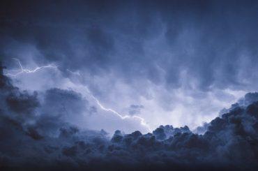 Штормовое предупреждение МЧС: на Кубани ожидаются град, гроза и сильный ливень