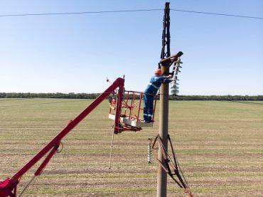 Кубаньэнерго завершило плановый ремонт на линии электропередачи Брюховецкая-Медведовская