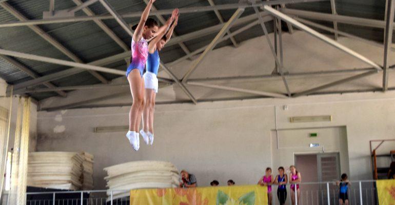 «Показали отличные результаты». В Брюховецкой прошли краевые соревнования по прыжкам на батуте