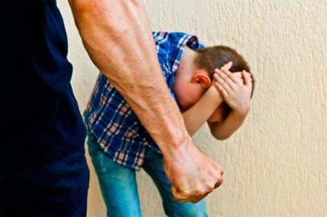 Житель Чепигинской избил малолетних детей