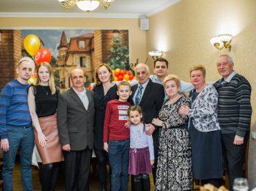 Нынешний год для семьи Кравцовых из поселка Лебяжий Остров— юбилейный трижды