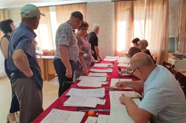 В Брюховецком районе проходят муниципальные выборы. Первые результаты