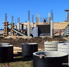 В Брюховецкой начато строительство плавательного бассейна
