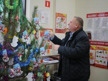 Подарите детям радость: в Брюховецкой стартует «Ёлка желаний»