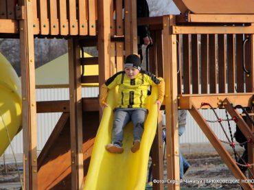 В Новоджерелиевской открылись спортивно-игровая зона и дом культуры