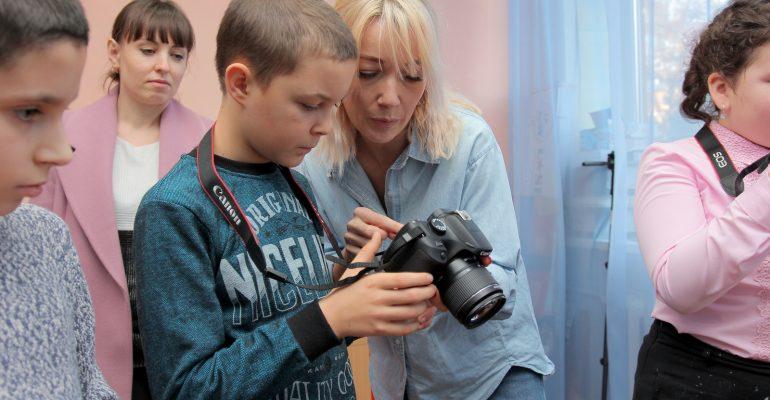 Юных фотографов обучат: Детский инновационный центр получил президентский грант