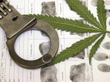 Уголовное дело за незаконное хранение наркотиков