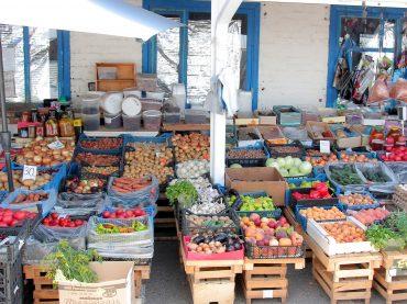 Цены нынешнего сезона сильно отличаются от прошлогодних: мы узнали сколько стоят овощи на брюховецком рынке