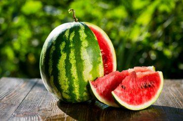 Сладкую ягоду найдем вместе. Как выбрать сладкий и спелый арбуз?