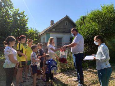 В рамках акции школьникам брюховецкого района помогли собраться в школу