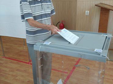 «Люди шли один за другим»: как голосовали на участке 07-01