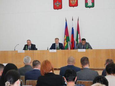 Владимир Мусатов ушел в отставку