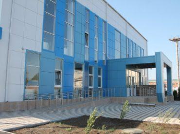 Завершается строительство двухэтажного дворца водных видов спорта