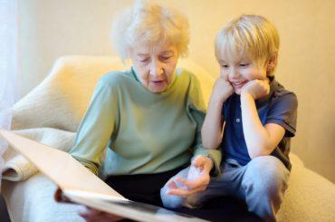 В России узаконят права бабушек и дедушек на воспитание внуков