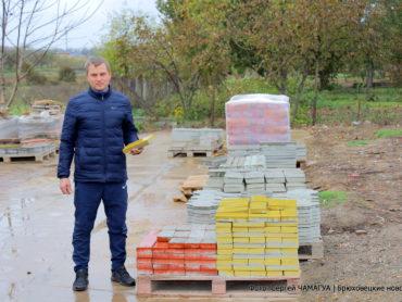 12 видов плитки производит мастер из Новоджерелиевской