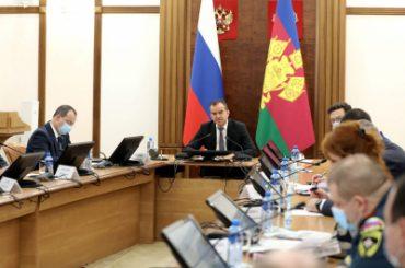 Вениамин Кондратьев поручил усилить контроль за соблюдением масочного режима в общественных местах