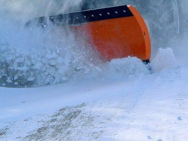 В Краснодарском крае к уборке снега на дорогах привлекли более 3,5 тыс. единиц спецтехники