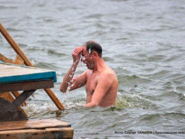 Где и когда пройдут крещенские омовения и литургии